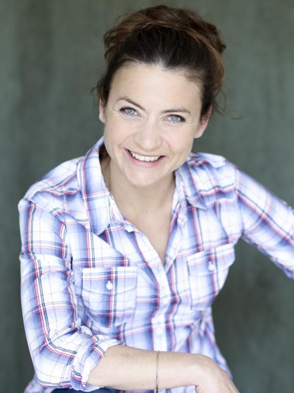 Anne CAZENAVE